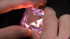 id rather have the money than a pink gem thumb